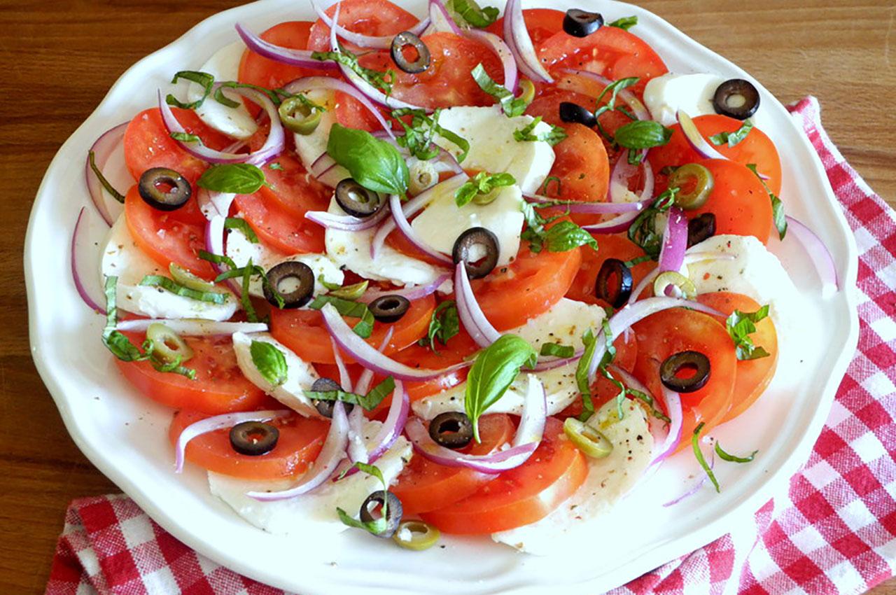 Imagem-Website-Interna-Noticia-salada-mediterrnica.jpg